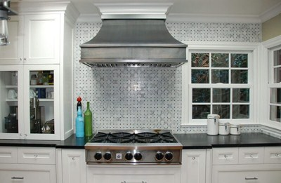 Handcrafted Stainless Steel Kitchen Range Hoods with Smooth Body